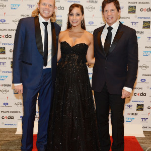"""LAS VEGAS, NV - SEPTEMBER 24:  Turner Pope, Amy Cantor and Tim Cantor arrive at the """"Imagine A World Without Cancer"""" Gala at the Fours Seasons Hotelon September 24, 2015 in Las Vegas, Nevada.  (Photo by Denise Truscello/WireImage)  *** Local Caption *** Turner Pope; Amy Cantor; Tim Cantor"""